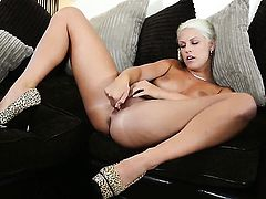 Blanche Bradburry cant stop dildoing her beaver