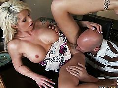 Johnny Sins loves sinfully sexy Brooke HavenS wet hole and bangs her as hard as possible