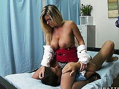 Ramon plays hide the salamy with Kristal Summers with massive boobs