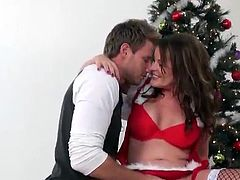 Bella Roxx Sensuous aged Dressed inside Santa Outfit Gives Head And shafts
