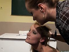 Blonde Valentina Valenti cant wait to be tongue fucked her lesbian girlfriends Katy Parker