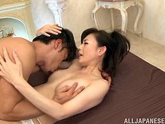 sexy mature asian gets her hairy vagina eaten out