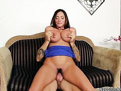 Ariella Ferrera opens her legs to take Alan Staffords rock solid sausage in her love box