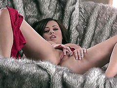 Taylor Vixen enjoys another solo sex session