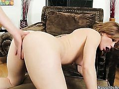 Billy Hart plays with wet wet hole of Good looking stunner Brooklyn Lee before he fucks her hard