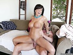 Johnny Castle has a nice time banging Lisa Ann with round butt and trimmed pussy