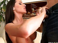 Johnny Sins bangs Kortney Kane with big tits as hard as possible in hardcore action