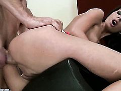 Brunette breathtaker Betty Stylle takes oral sex to the whole new level