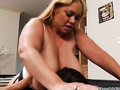Dangerously sexy pornstar gets satisfaction with hard dicked fuck buddy Tyler Nixon