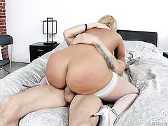 Criss Strokes uses his hard ram rod to make blowjob addict Mellanie Monroe with giant melons happy