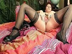 Mature dilettante Mom squeezing her labia Muscles