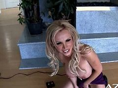 Blonde with huge tits enjoys the sybian