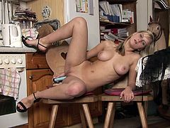 Anal-toying solo clip with captivating blonde Marry Queen