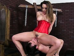 Chanel Preston puts her soft lips on dudes stiff tool