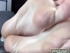 You haven't been able to take your eyes off my feet ever since you walked in the room and I can't really blame you. These soft and sexy little feet are pretty much perfect. Look how sexy they are.