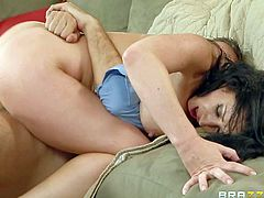 Cheating brunette Jayden Jaymes with huge boobs takes dudes hard dick up her tight shaved pussy in the living room. Busty raven haired slut with hot body rides his sausage like theres no tomorrow.