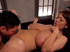 Busty porn hottie Hitomi Tanaka treats cock a hot and nasty blowjob