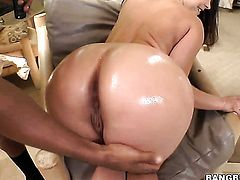 Fuck crazed honey Liza Del Sierra with massive jugs has interracial sex session of her lifetime