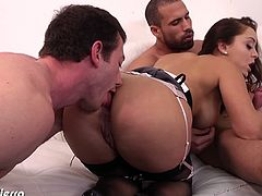 Liza Del Sierra is an amazing babe who gets her ass hole licked by one of the guys who will contribute to her double penetration session. She learns to like it hard.