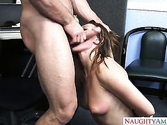 Johnny Castle gets seduced into fucking by Callie Calypso and sticks his polein her booty