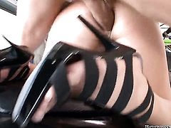 Eva Tores and hot dude Omar Galanti satisfy their anal needs together after she gives mouth job