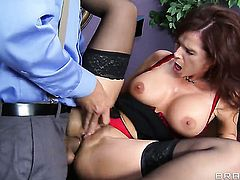 Syren De Mer with giant hooters takes Ramons cum loaded dick in her backdoor