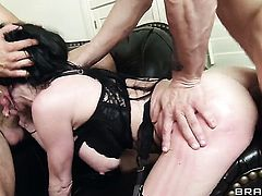 Mark Davis gets pleasure from fucking dangerously seductive Veronica Avluvs ass way