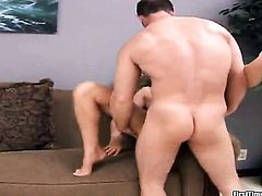 Teen just loves to suck and cant say No to hard cocked dude