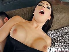 Inexperienced slut spends her sexual energy with hard sausage in her bottom