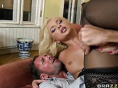 Ivana Sugar finds butt sex painful loves it with Steve Holmes so much
