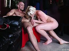 Zoey Paige is so wet and so horny that fucks with Johnny Sins like a sex crazed animal