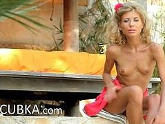 Stephanie blondie deep undress snatch