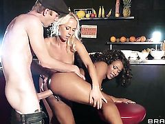 Chocolate Kiki Minaj enjoys Danny Ds throbbing pole deep inside her back yard