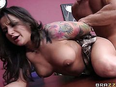 Johnny Sins gives devilishly sexy Charity Bangss mouth a try in oral action