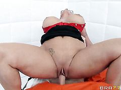 Johnny Sins explores the depth of ultra sexy Holly Halstons throat with his meat pole