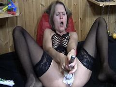 X-rated honey cleaning her vagina beside the toilet brush