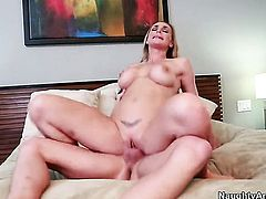 Tanya Tate gets the hole between her legs penetrated by Kris Slater