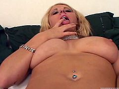 sex insane girlfriends stimulate clits and squirt on a camera