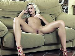 Lola Myluv fucks herself like mad in solo action