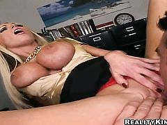 Billy Glide makes his hard schlong disappear in yummy Nikki Benzs mouth