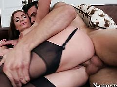 Ryan Driller uses his rock hard tool to bring Diamond Foxxx to the height of pleasure