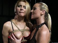 Blonde and Cindy Hope both have great lesbian experience