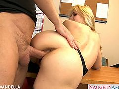 Naughty America brings you a hell of a free porn video where you can see how the busty blonde pornstar Sarah Vandella gets banged hard in the office while assuming hot positions.