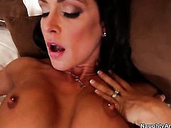 Jessica Jaymes wants sex desperately and gets it from Justin Magnum