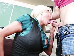Giovanni Francesco pops out his meat stick to fuck sexy Nikita Von Jamess love tunnel