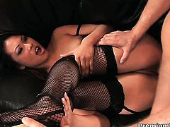 Asian Veronica Lynn learns more about interracial hardcore sex from hot guy