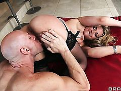 Johnny Sins touches the hottest parts of attractive Sarah Vandellas body before he drills her mouth