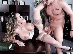 Clover fucks sexy bodied Holly Halstons love box in every position