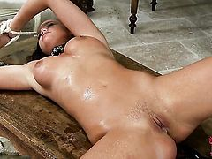 Redhead tramp Sasha Rose with bald cunt loses control in lesbian frenzy with Denisa Heaven