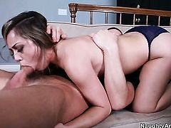 Latina Kristina Rose with phat bottom feels great with Alex Gonzs throbber deep in her muff
